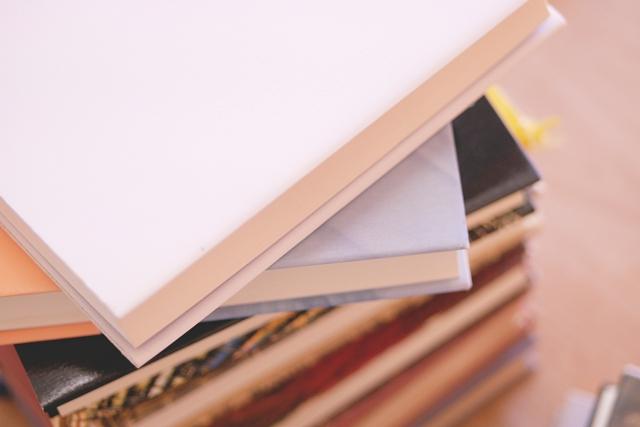 福岡で写真集買取・古本買取などをご検討中なら出張査定無料の【マルワ書店】へ